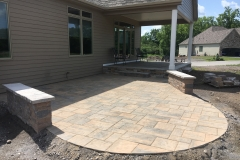 Rear Patio with Seat Wall 2